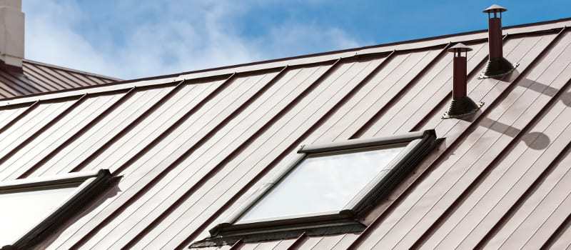 Shingles Or Metal? The Advantages Of Choosing A Metal Roof